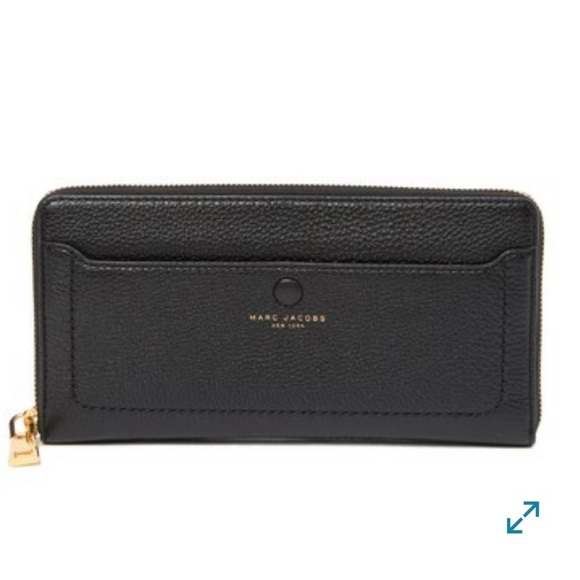 Marc Jacobs Handbags - Marc Jacobs empire city leather wallet
